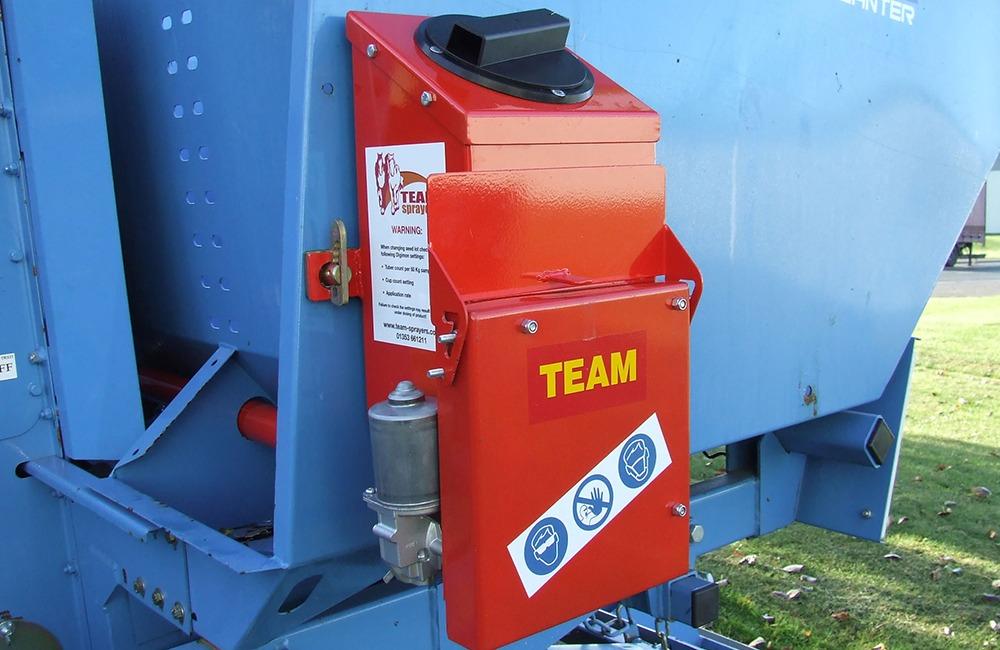 Team Sprayers powder applicator